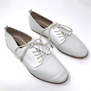 Zara White Perforated Lace Up Faux Leather Oxfords